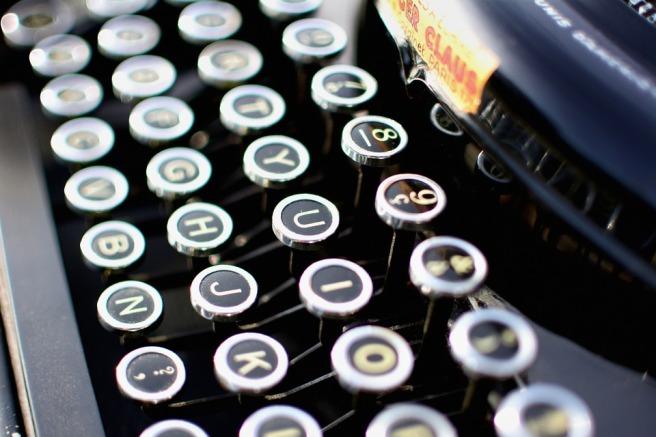 typewriter-1004433_960_720